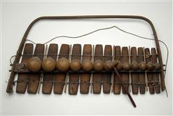 Balafon potatif 14 lames ou Gambong | Anonyme